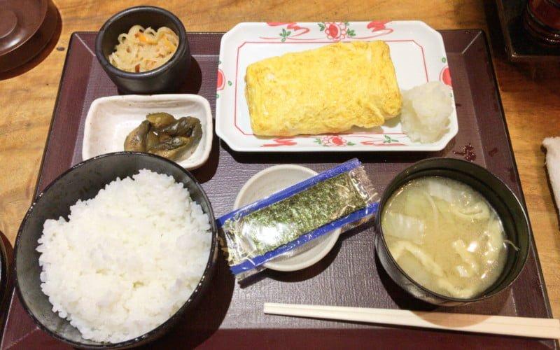 東京駅おすすめ朝定食 居酒屋 やえす初藤の玉子焼き定食